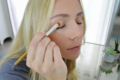 Bamboo Naturals Makeup Brushes, the Perfect Smokey Eye Kit, Natural Bamboo Handles, Includes Three Brushes- Eyeshadow Brush, Smudge Brush, Angled Eyeliner Brush - 3